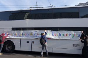 google-bus-photo.jpg w=600